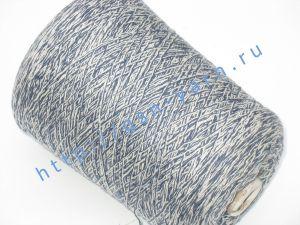 Пряжа меланж 5,7/1. 54% Хлопок, 31% натуральный шелк (mulberry silk), 10% шерсть, 5% нейлон. Цвет белый + темно-синий
