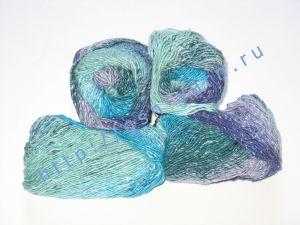 Пряжа секционного крашения 2/1. 55% Хлопок, 40% вискоза, 5% натуральный шелк (mulberry silk). Цвет 01. Основные цвета: оттенки голубого и фиолетового