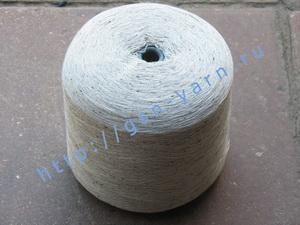Пряжа 26/2 на бобинах для ручного и машинного вязания, ткачества. Узелковая пряжа, пряжа с включениями (NEPS yarn). 50% Хлопок, 30% натуральный шелк (mulberry silk), 16% шерсть (soft wool), 4% кашемир. Цвет бледно-серый + черные вкрапления